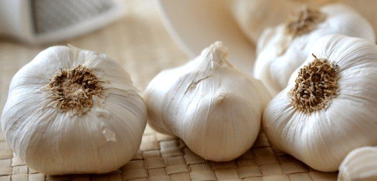 3 cloves of garlic on the floor. Can garlic cause headaches