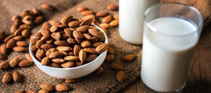 almonds and almond milk on the table/ almond milk promotes sleep