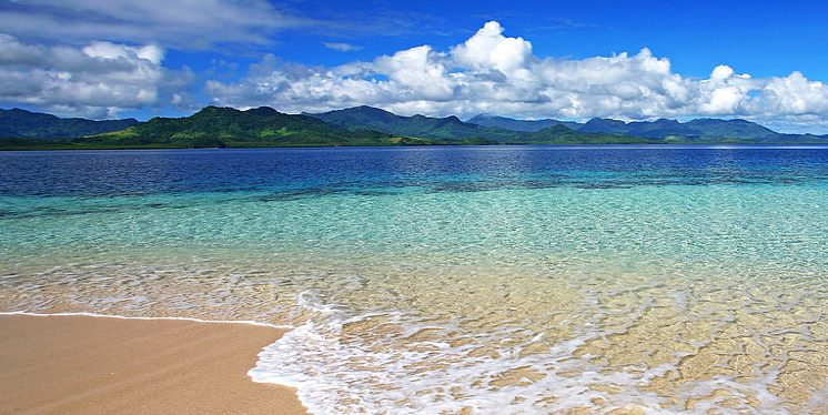 sea and sand / seawater has beneficial effects on the skin