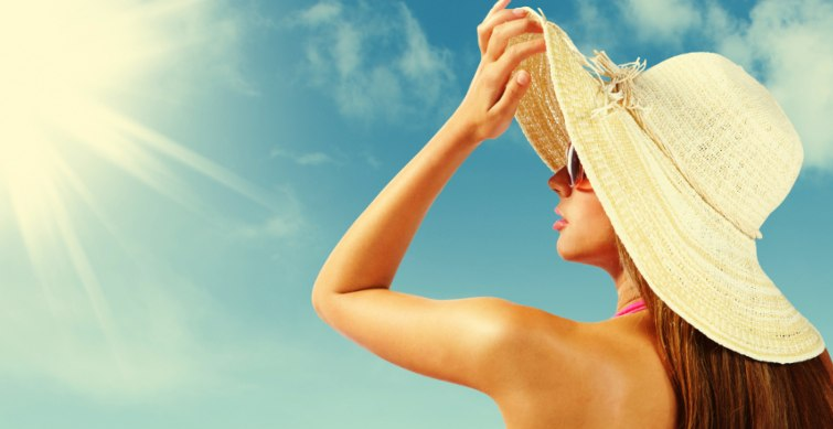 a woman is getting sunbathe - does the sun depletes collagen